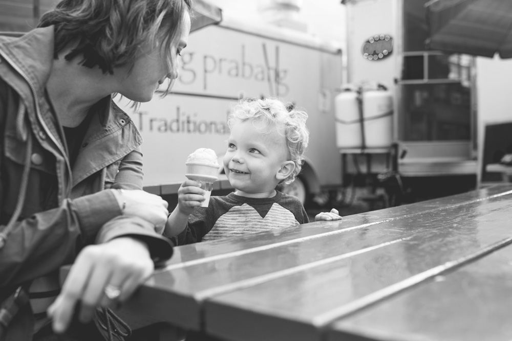 Portland documentary family photography - ice cream
